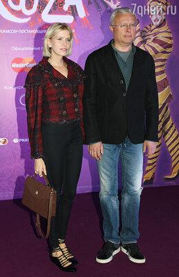 Александр Лебедев с женой