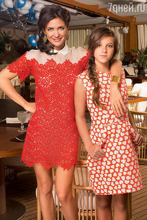 Екатерина Климова с дочерью Лизой на праздновании ее13-летия. 2015 г.
