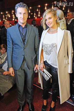 Наталья Чистякова-Ионова с мужем Александром на премьере фильма «Сталинград»