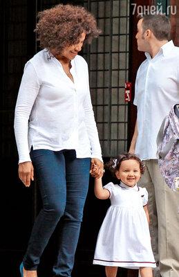 Грейс Хайтауэр с дочерью Хелен Грейс. 2013 г.