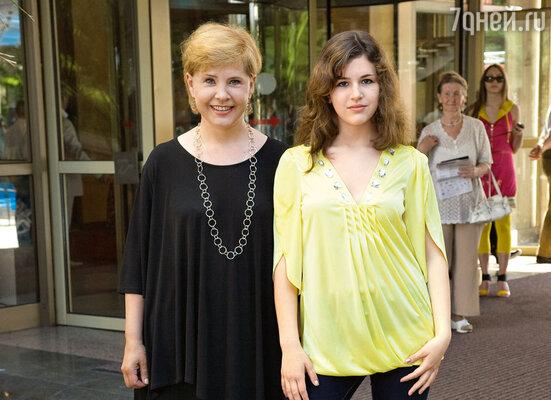 Татьяна Догилева и ее дочь Катя