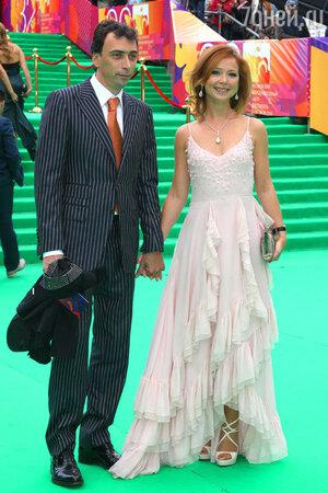 Елена Захарова и Сергей Мамотов на церемонии открытия  32-го Московского международного кинофестиваля. 2010 год