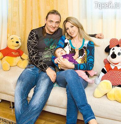 Аскольд Запашный с женой Элен и дочерью Евой