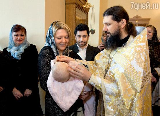 Крестной мамой малышки стала Мария Чистякова, сестра Александра