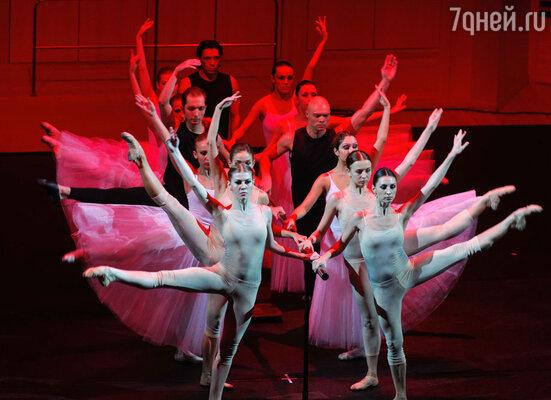 Идея переплести казалось бы взаимоисключающие эстетики  русского классического балета и  рок-музыки получилась  неожиданной и оригинальной