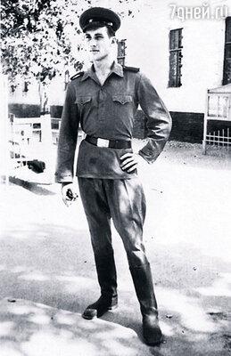 Роберт во время службы в армии в Самарканде