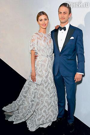 Виктория Боня с мужем Александром Смерфитом на званом обеде на Каннском фестивале. 2015 г.