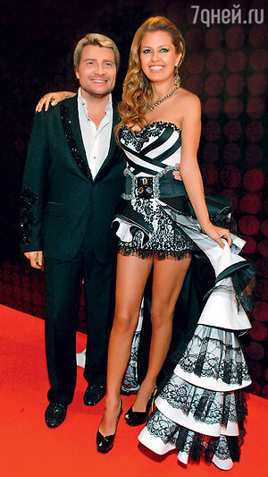 Николай Басков и Виктория Боня на церемонии вручения премии RU-ТV. 2011 г.
