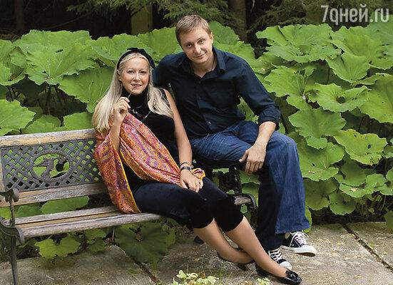Центром нашей большой интернациональной семьи является мама... (Татьяна Михалкова с сыном)