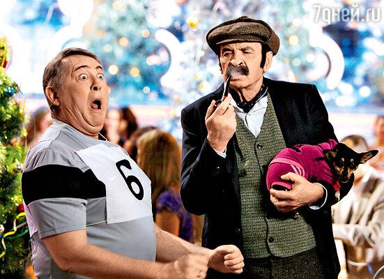 Илья Олейников в образе Шерлока Холмса и его капризная «собачка Баскервилей»