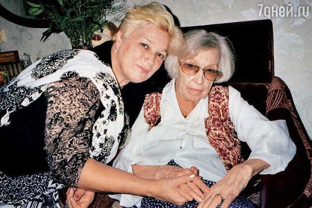 Валентина Леонтьева и Людмила Туева
