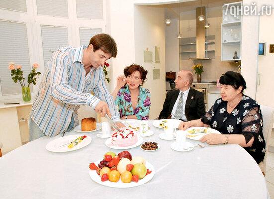 У Ольги Дроздовой с родителями мужа— Анатолием Ивановичем и Ноэми Семеновной — полное взаимопонимание. 2005 г.