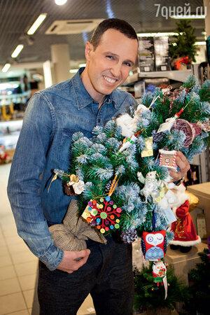 Накануне Нового года Игорь Верник принял участие в благотворительной акции фонда «Подари жизнь»