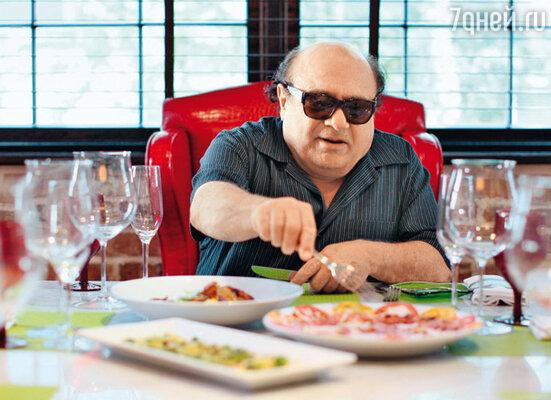 Дэнни Де Вито любит пообедать в собственном ресторане