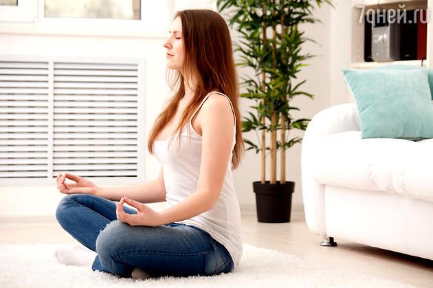 Эффективным дополнением к ночному сну могут стать перерывы на медитацию, особенно если ночью вы беспокойно спите