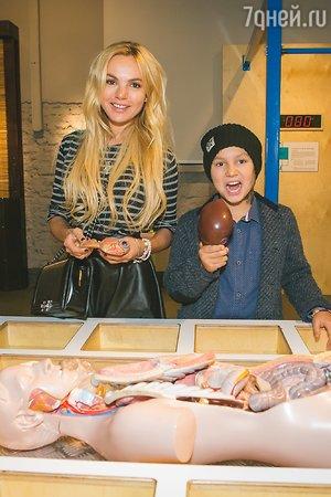 Маша Цигаль с сыном Арсением