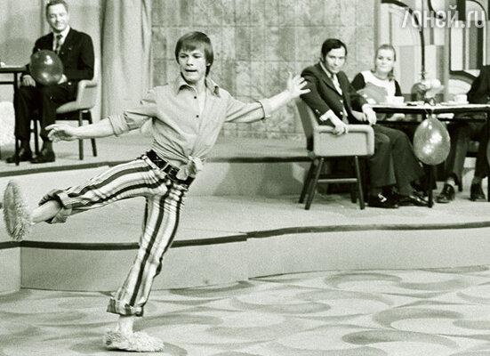 В семидесятые имя Владимира Шубарина, руководителя «Танцевальной машины», гремело по всей стране. «Голубой огонек», 1974 г.