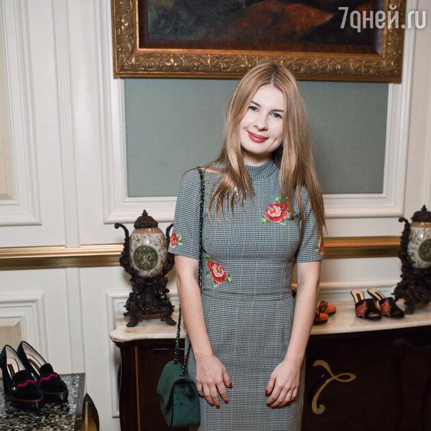 Анна Цуканова - Котт