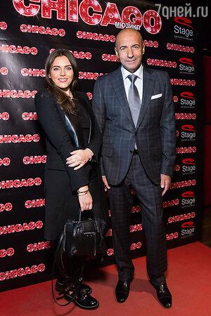 Игорь  Крутой с дочерью Викторией на премьере мюзикла Chicago