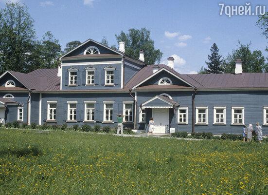 Музей-заповедник «Абрамцево». В этом доме более 30 лет прожил Савва Иванович Мамонтов