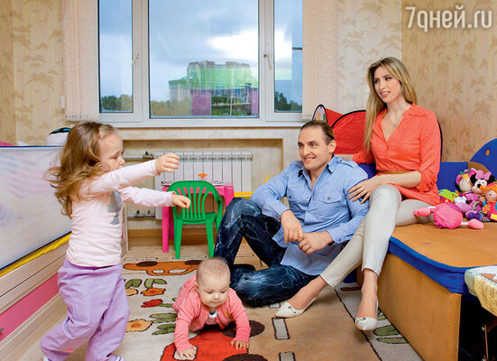 Будущую супругу Запашного Элен родители в возрасте семи лет увезли вТель-Авив. Но правильно говорят: от судьбы не уйдешь...