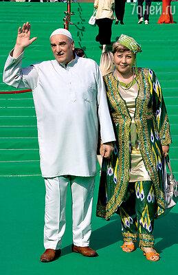 Алексей Петренко с супругой Азимой Абдумаминовой