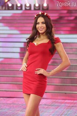 Обладательница титула «Мисс Россия 2014» Юлия Алипова