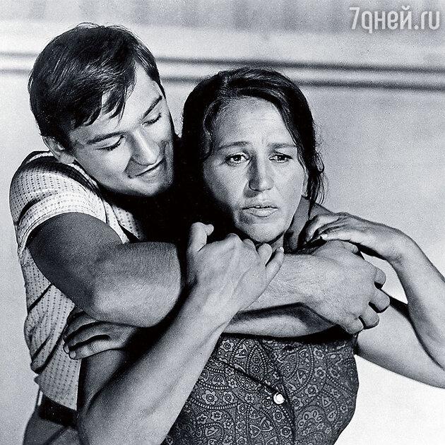 Нонна Мордюкова с сыном Владимиром