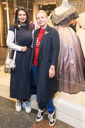 Екатерина Стриженова с сестрой