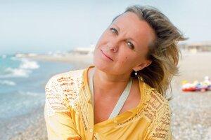 Елена Яковлева: «Иногда бывает грустно от мысли, что тебе уже за пятьдесят и жизнь так быстро пролетела»