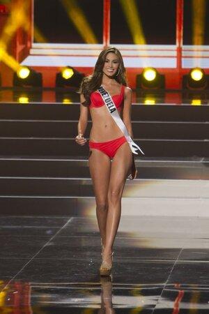 """Победительница конкурса """"Мисс Вселенная-2013"""" Мария Габриела Ислер"""
