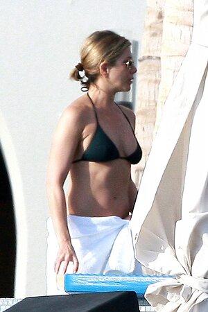 Дженнифер Энистон собирается встречать 2014 год на побережье Мексики вместе со своим возлюбленным Джастином Теру