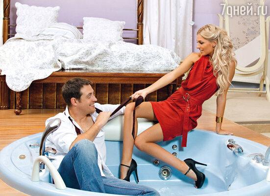 На Александре платье Gucci, браслет Celine. Место съемки: конноспортивный клуб и ресторан парк-отеля «Отрада».