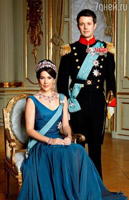 Кронпринцесса Мэри с принцем Фредериком