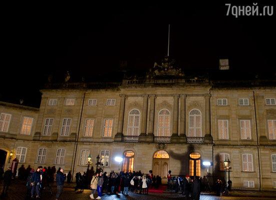 Резиденцией Мэри и Фредерика стал старинный копенгагенский дворец Амалиенборг