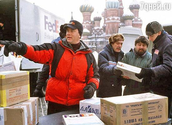 Дебют Дюжева был всем на зависть: Дмитрий — крайний справа, а крайний слева... Том Хэнкс!
