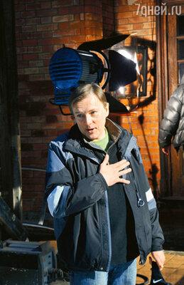 Дебютом Нилова стал двухсекундный эпизод в сказке «Снегурочка»