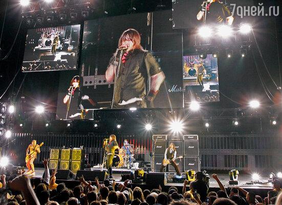 Red Hot давно вошла в историю рока, и, хоть пик славы группы позади, у нее и сейчас предостаточно поклонников