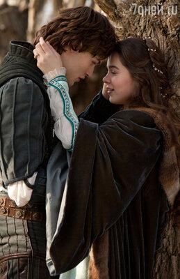 Дуглас Бут и Хейли Стейнфилд. «Ромео и Джульетта», 2013 год