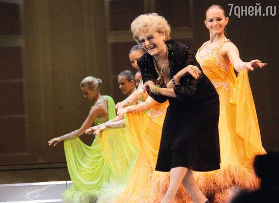 Изящному поклону Дружинину научили еще в хореографическом училище