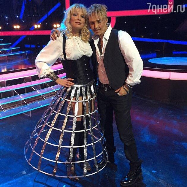 Эвелина Блёданс в образе Татьяны Булановой и Анжелика Агурбаш в образе Гарика Сукачёва