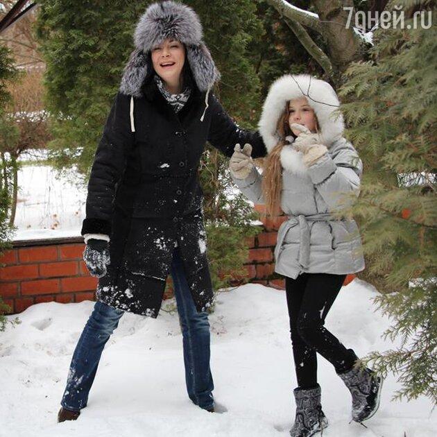 Ирина Дмитракова, Женя Абдулова
