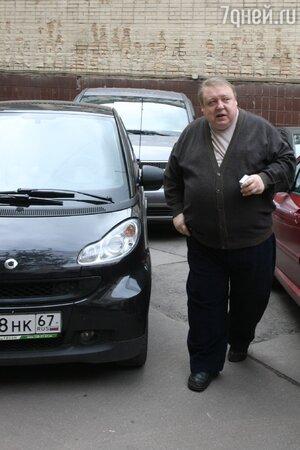 Александр Семчев у своей мини-машины