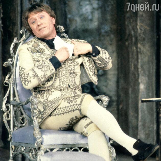 Андрей Миронов в спектакле «Безумный день, или женитьба Фигаро»