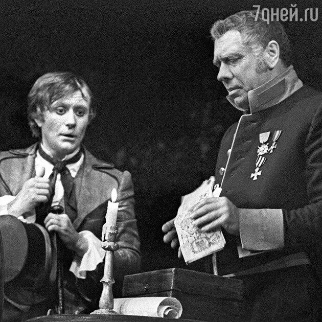 Андрей Миронов и Анатолий Папанов в спектакле театра Сатиры «Ревизор»
