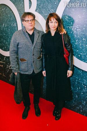 Валерий Тодоровский и Евгения Брик на премьере фильма «Дубровский»