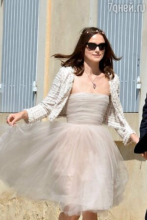 Кира Найтли в подвенечном платье от Chanel