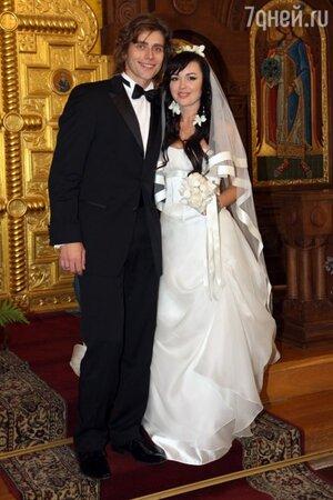 Анастасия Заворотнюк вышла замуж за Петра Чернышева в 2008 году
