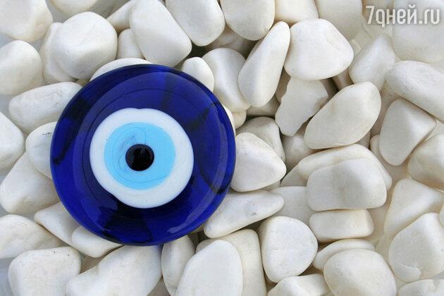 Синий глаз защитит дом от воров