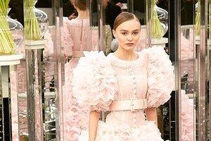 Образ дня: Лили-Роуз Депп в Chanel